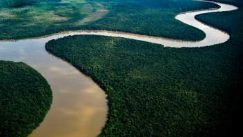 Al menos 11 militares están desaparecidos tras la caída de un helicóptero en Colombia