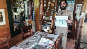 El deshielo deja al descubierto unos periódicos de 1966