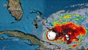 Isaías pasa por Las Bahamas y se mueve hacia La Florida