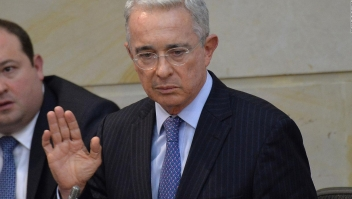 Senadora Cabal reacciona a detención domiciliaria de Uribe