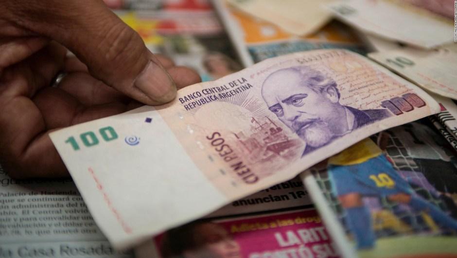 """¿Qué factores hacen que Argentina tenga una """"economía miserable""""?"""