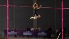 Rompió el récord mundial de salto con garrocha dos veces