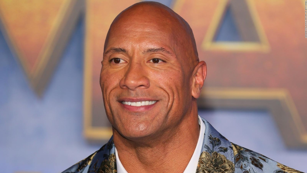 The Rock está en el grupo que adquirió la XFL