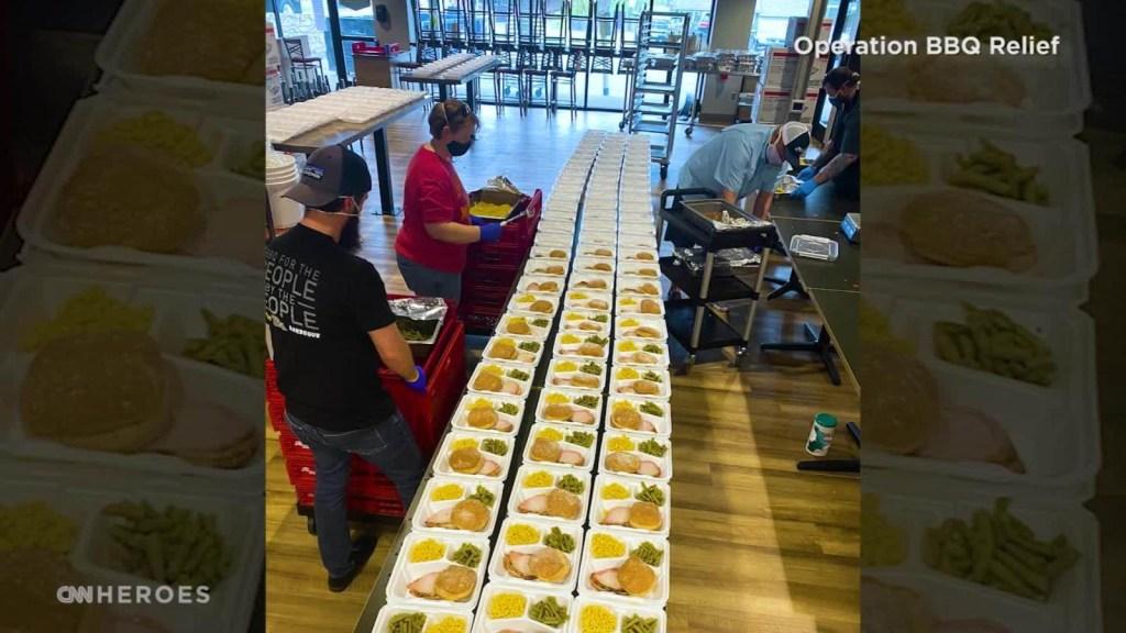Reabriendo restaurantes para alimentar a sus comunidades