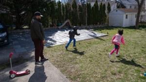 Millones de padres renuncian para poder cuidar a sus hijos