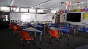 Juez apoya a los profesores para no reabrir escuelas en Florida