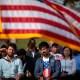 Continúan los retrasos en trámites migratorios en EE.UU