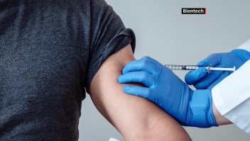 Pfizer pone fecha para presentar vacuna a reguladores