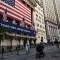 Posible tratamiento contra el covid-19 impulsa a Wall Street