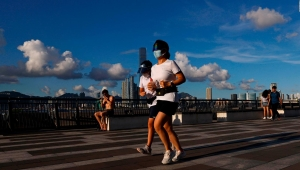 Uso obligatorio de mascarillas puede expandirse a los exteriores