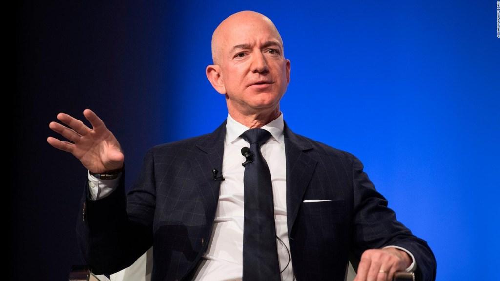 Jeff Bezos' fortune breaks record