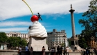 Escultura de un postre gigante en el centro de Londres