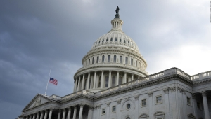 Congreso busca aprobar nuevo estímulo económico en EE.UU.