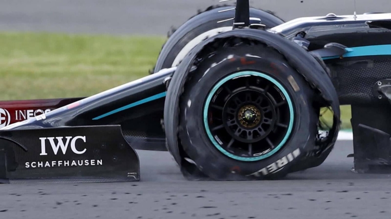 F1: Con neumático pinchado, Hamilton gana en Silverstone