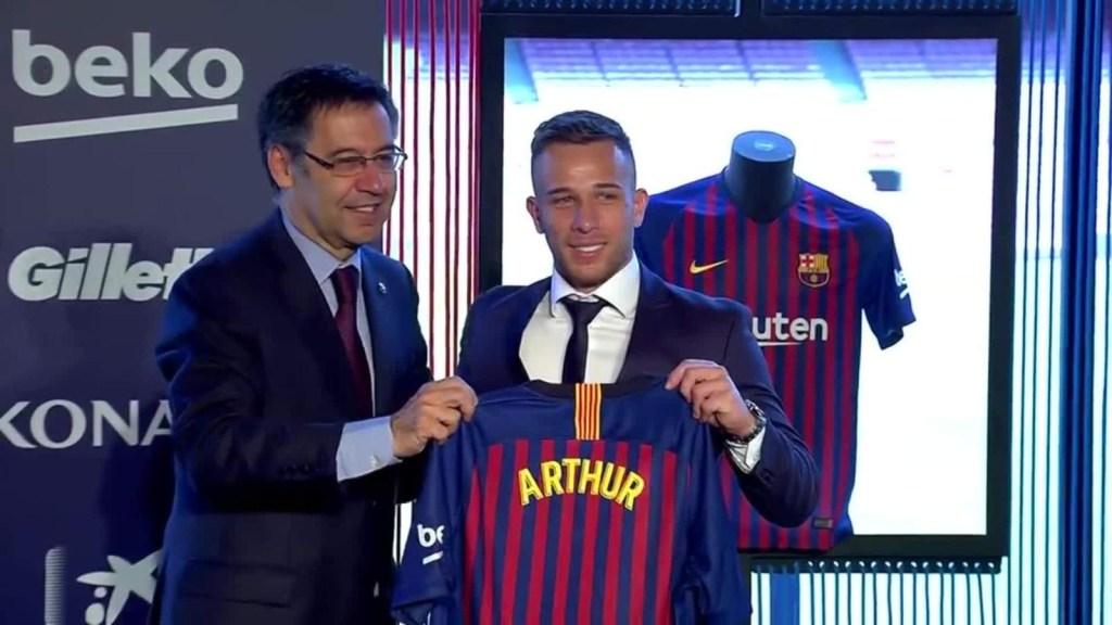 """El Barcelona critica """"indisciplina"""" de Arthur"""