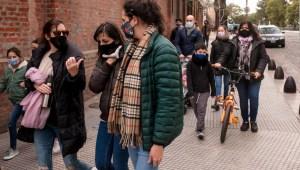 Prohíben por decreto las reuniones sociales en Argentina