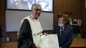 A los 96 años se graduó de la universidad