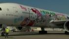 Ofrecen vuelo en un avión temático de Hello Kitty