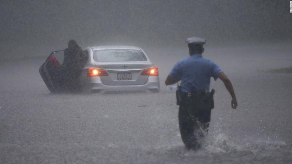 La tormenta tropical Isaías azota la costa este de EE.UU.