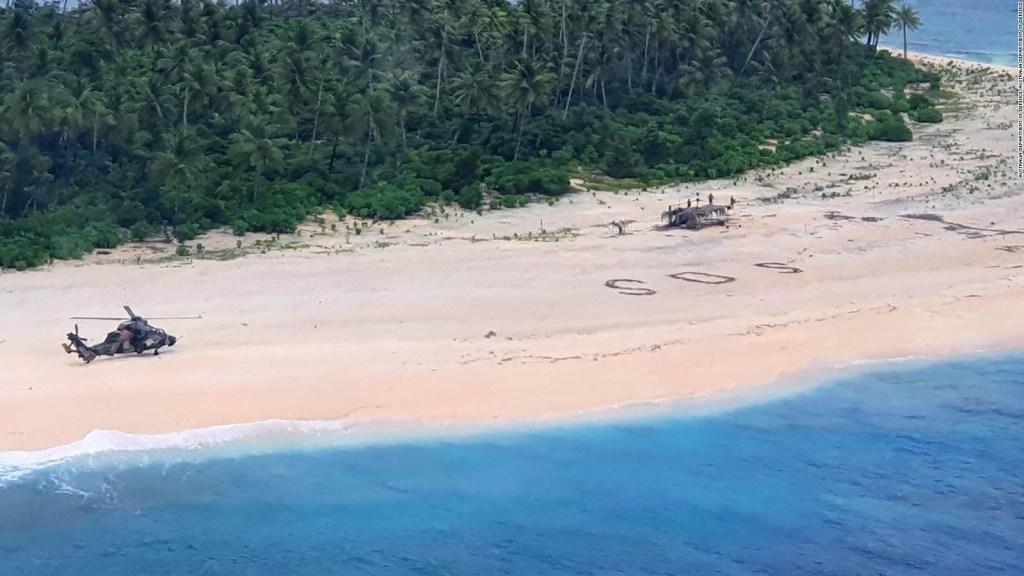 Un mensaje de SOS en la arena salva a tres marineros