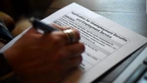 Se reducen las solicitudes de subsidio por desempleo en EE.UU.