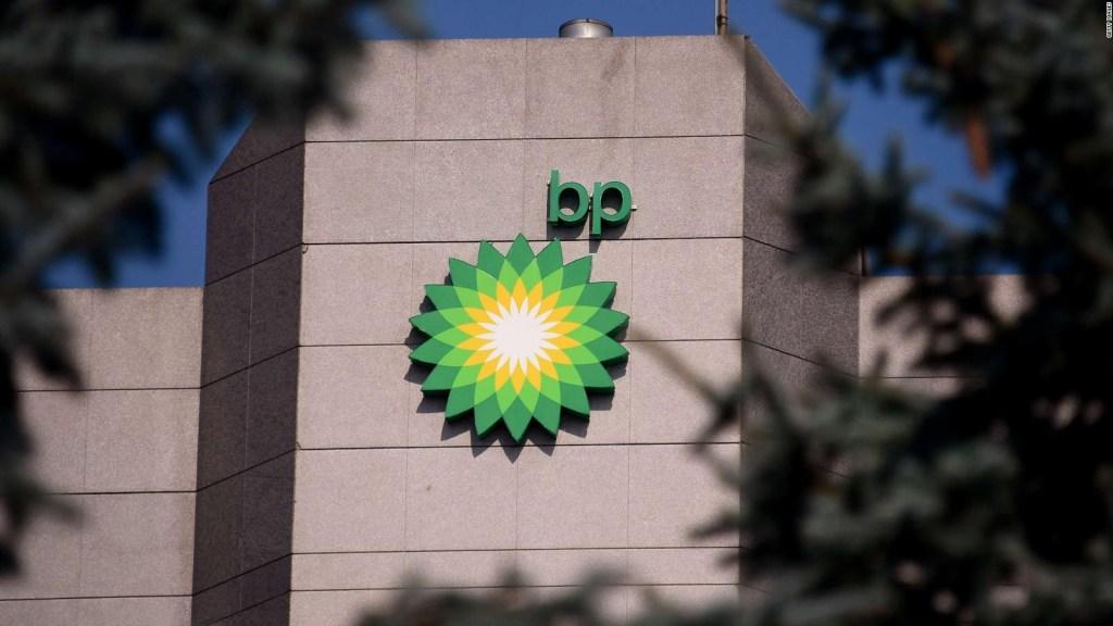 La petrolera BP invertirá miles de millones en energías limpias