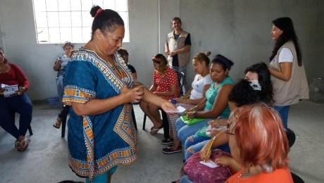 Afroecuatoriana se libera de la opresión en favor de otras mujeres