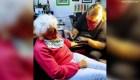Mujer de 103 años se tatúa por primera vez