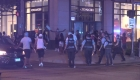 13 policías heridos y más de 100 detenidos tras violento fin de semana en Chicago