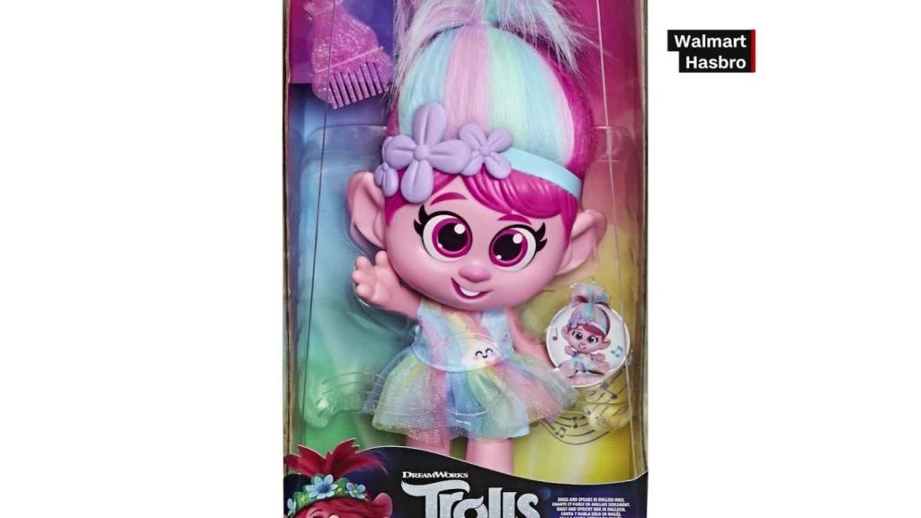 Hasbro retira muñeca por botón que no le gusta a miles