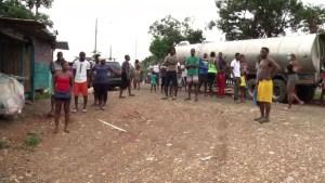 Migrantes retenidos en Panamá: Vivimos como perros