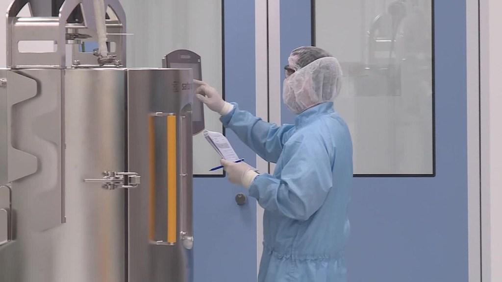Así es por dentro laboratorio que creará vacuna de Oxford