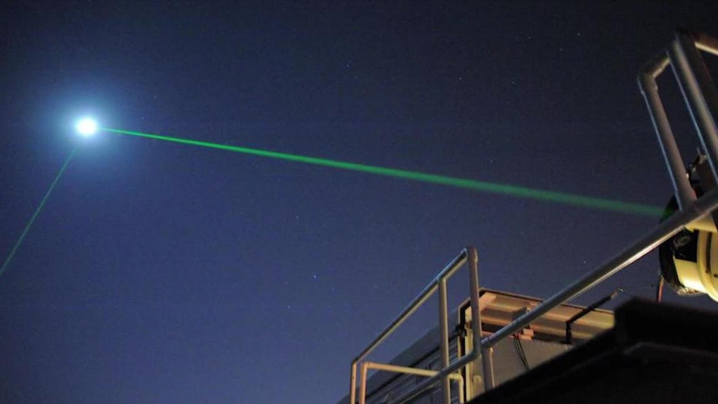 La NASA dispara rayos láser a la Luna, esta es la razón