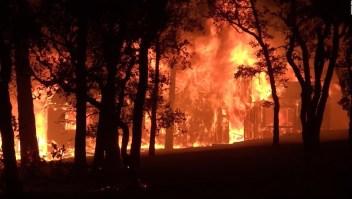 California: incendios y temor a nuevos contagios