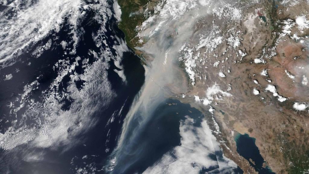 California, bajo el humo de los incendios