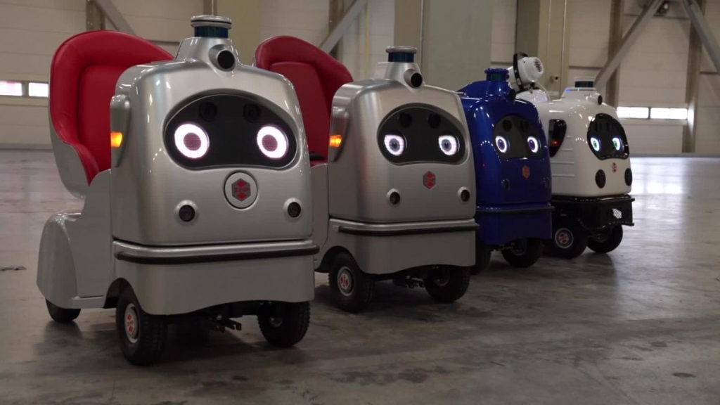 RakuRo, una silla-robot autónoma para adultos mayores