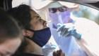 EE.UU. reporta menos casos nuevos de covid-19