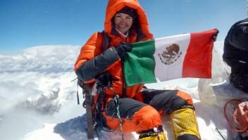 Mexicana logra un récord en las 3 montañas más altas