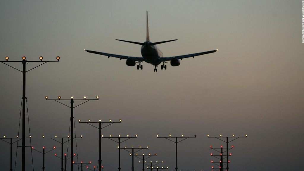 The United States analyzes giving new support to airlines