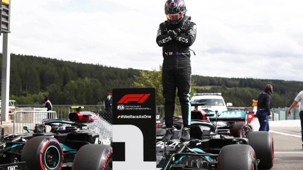 Hamilton y su dedicatoria tras la pole position en Bélgica