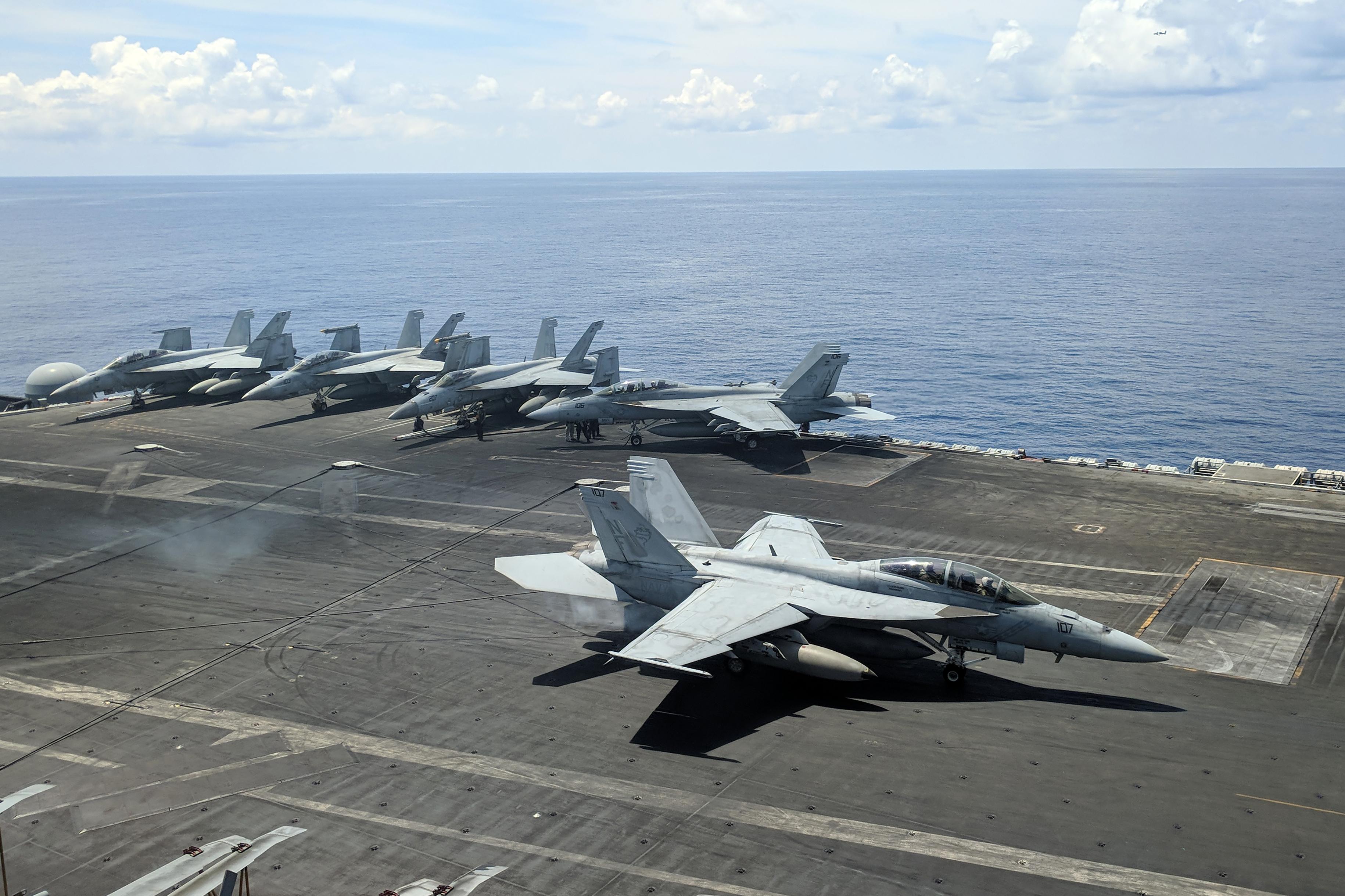 Avión Armada EE.UU. Mar de China Meridional