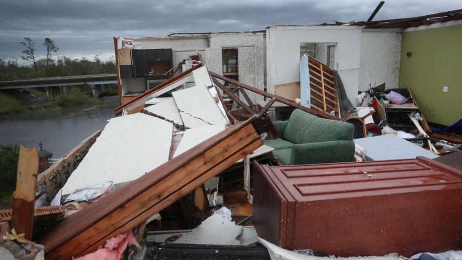 Huracán Laura daños víctimas Louisiana Texas