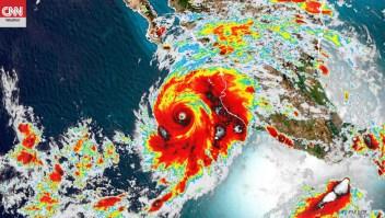 El huracán Genevieve rozará la península de Baja California el miércoles por la noche