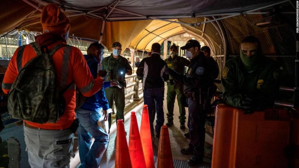 Los arrestos en la frontera entre Estados Unidos y México continúan aumentando