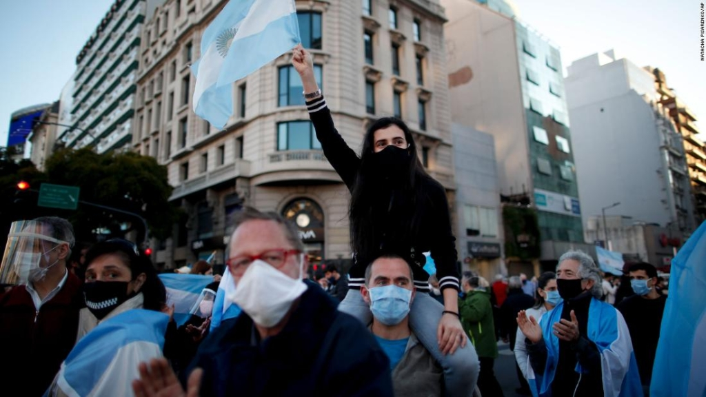 Las protestas en América Latina reflejan un cóctel tóxico de pandemia y recesión