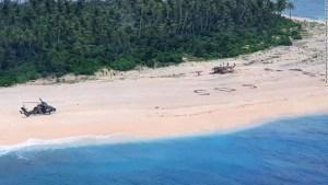 'SOS' en la arena salva a marineros de las islas del Pacífico