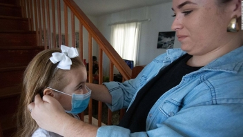 Los niños menores de 5 años no deberían tener que usar máscaras, dice OMS