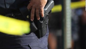 ¿Por qué la policía dispara tantas veces para derribar a un sospechoso?