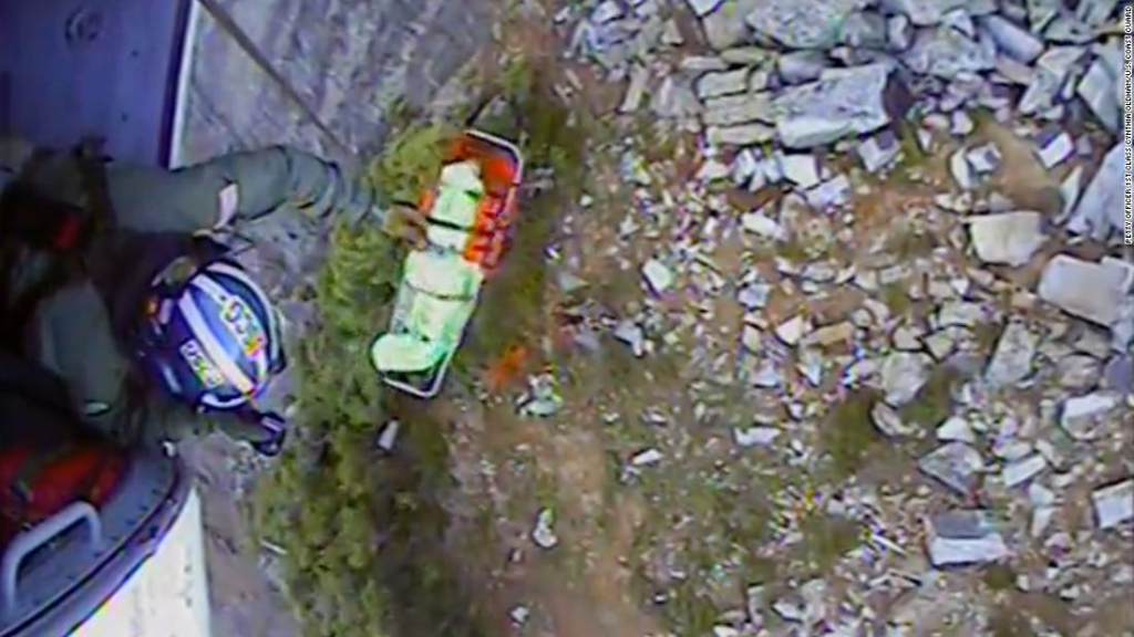 rescatan-excursionista-montaña