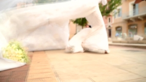 Mirá cómo vivieron la explosión de Beirut un sacerdote en una iglesia y una novia antes de casarse
